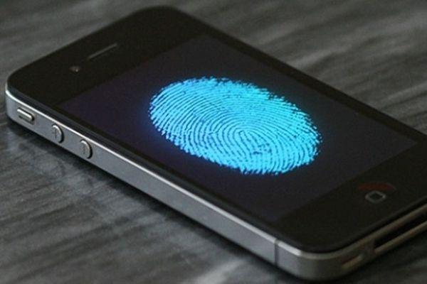Запрос ФБР кApple может сделать опасный случай для пользователей всех телефонов