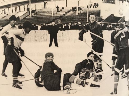 История свердловского хоккея: как военные милиционеров переиграли...