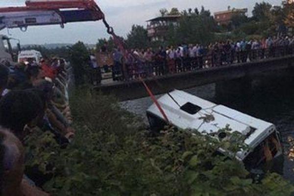 ВТурции 14 человек погибли вДТП сэкскурсионным автобусом