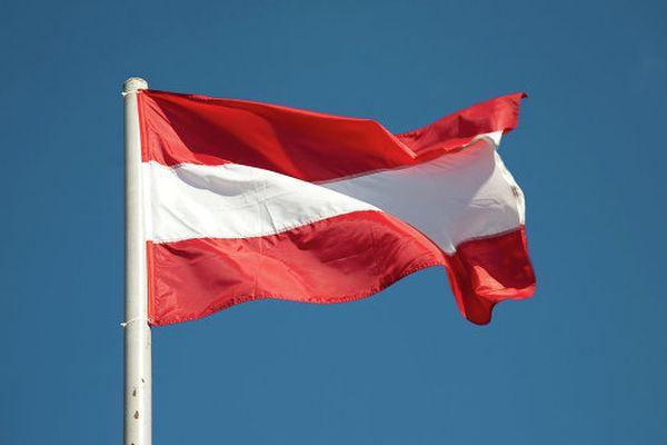 Австрийская Республика намеренна ввести чрезвычайное положение из-за беженцев
