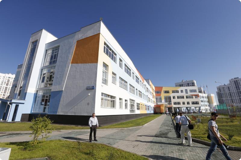 ВСвердловской области открылась одна изсамых огромных  школ РФ
