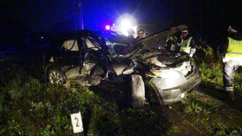 НаУрале девушка зарулем Инфинити врезалась впоезд: умер пассажир