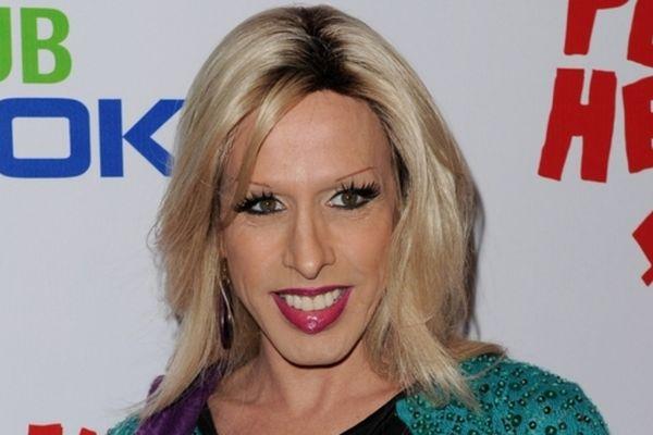 Стала известна причина смерти актера-трансгендера из«Друзей» и«Криминального чтива»
