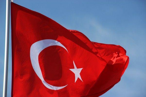 В Турции 12,8 тысячи полицейских отстранили от работы