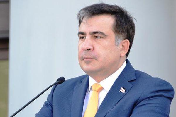 Порошенко сократил Саакашвили споста одесского губернатора
