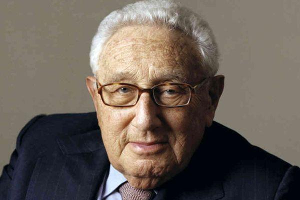 Генри Киссинджер выразил надежду наответ США накибератаки «русских»