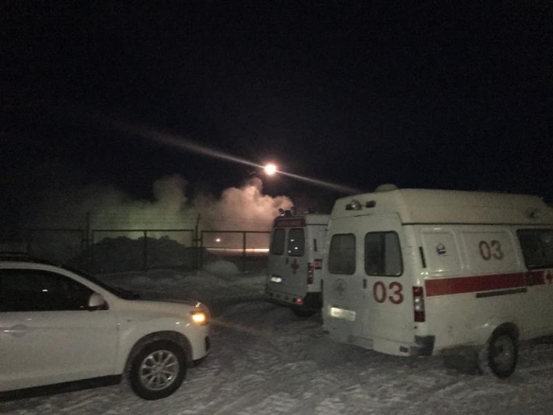 Довелось задействовать вертолет: cотрудники экстренных служб эвакуировали больных детей изпоселка около перевала Дятлова