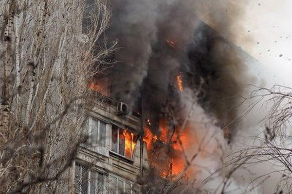 Вжилом доме Саратова произошёл взрыв бытового газа: пострадали три квартиры