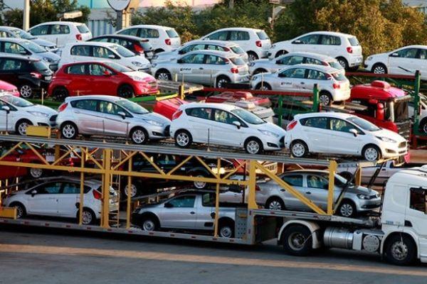 Втечении следующего года русский рынок автомобилей снизился на11 процентов