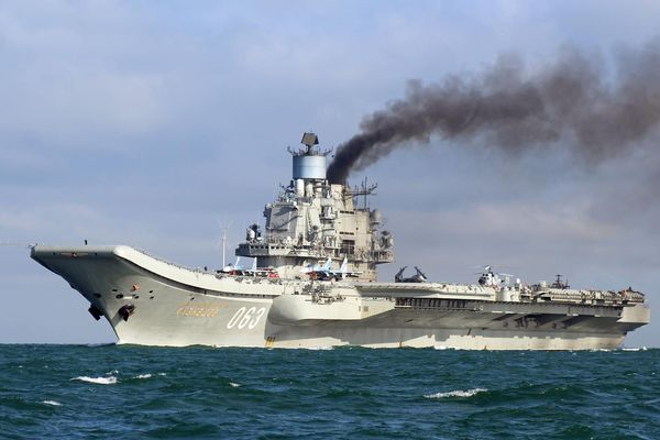 Британский адмирал испугался русских подлодок и отдал приказ следить за«Адмиралом Кузнецовым»