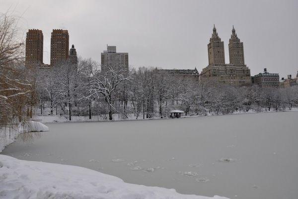 ВНью-Йорке подростки провалились под лед, делая селфи