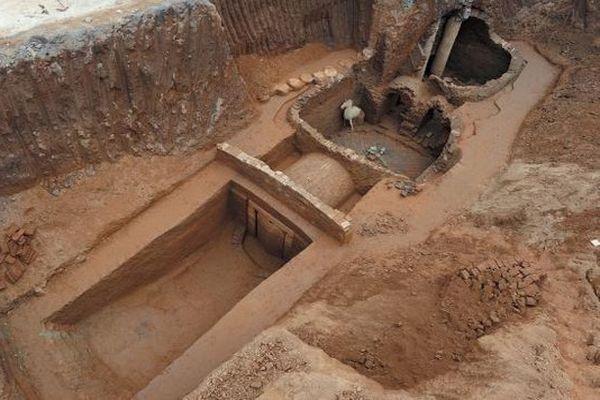 Китайские археологи обнаружили гробницы возрастом неменее 700 лет