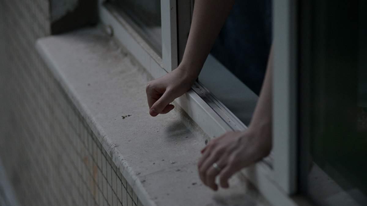 ВЕкатеринбурге сугроб спас жизнь 4-летнего ребенка, выпавшего изокна
