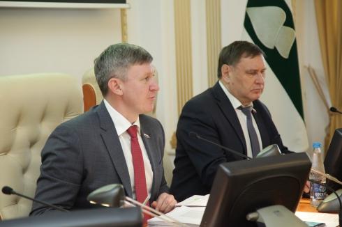 Депутаты требуют пересмотреть траты на развитие автомобильных дорог в Зауралье. «Необходимо эффективно использовать каждый рубль»