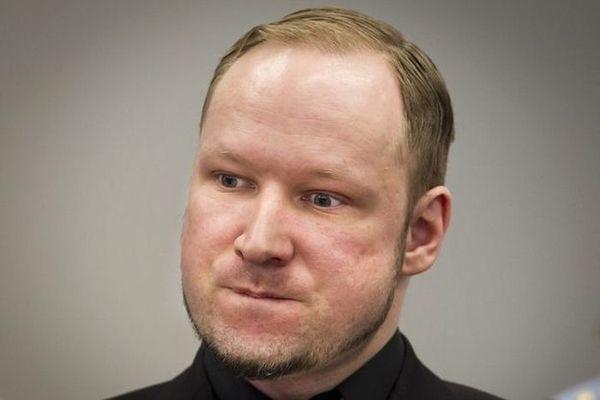 Суд отвергнул жалобу Брейвика на«бесчеловечное обращение» втюрьме