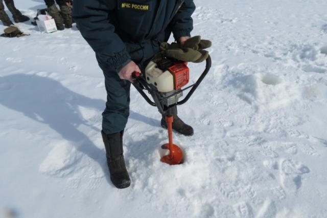 ВСвердловской области начали взрывать лед иготовиться кпаводку