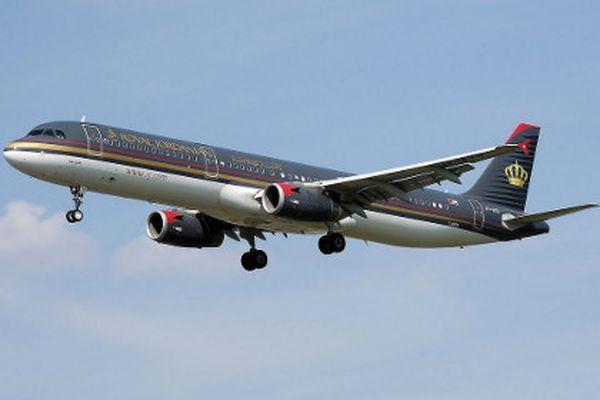 Великобритания может вслед заСША запретить провоз электронных устройств наборту самолётов