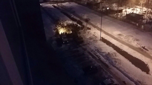 В Верхней Пышме провалившийся трактор повредил теплотрассу (ФОТО)