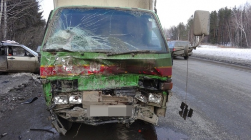 В серьезном ДТП под Нижним Тагилом погиб водитель ВАЗ-21099
