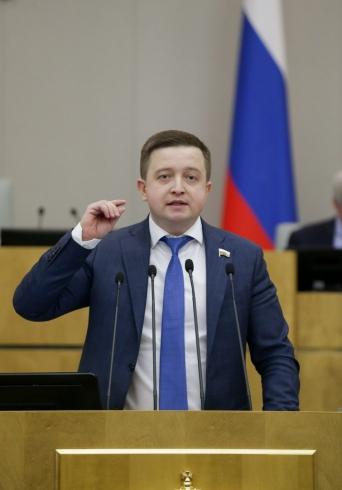 Губернатор Свердловской области принимает поздравления. Евгению Куйвашеву исполнилось 46 лет