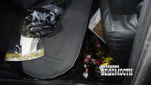 Пьяная автоледи, уходя от полицейской погони, разбилась на уральской трассе