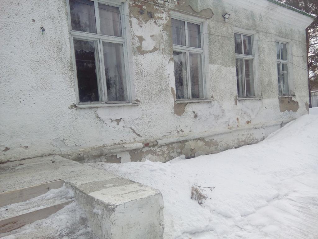 Неровный пол стал первопричиной закрытия школы вМихайловске