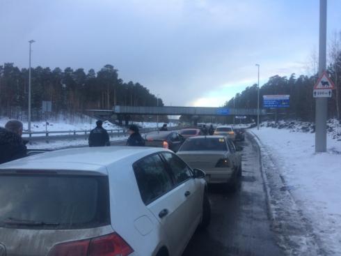 Больше ста нарушений за два с половиной часа – итог поголовной проверки водителей на выезде из Екатеринбурга