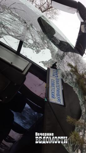 В Свердловской области перевернулся пассажирский автобус