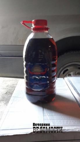 Оперативники УБЭП «хлопнули» в Екатеринбурге гараж с контрафактным спиртным (ФОТО)
