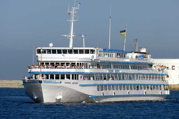 Украинский лайнер идет вРостов-на-Дону без туристов