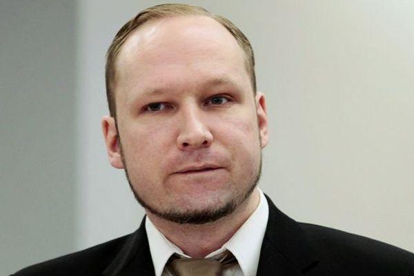 Верховный суд вОсло отказал Брейвику вжалобе нанарушение прав человека