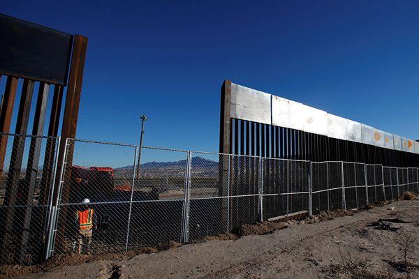 Съезд США выделит $1,6 млрд настроительство «стены Трампа»
