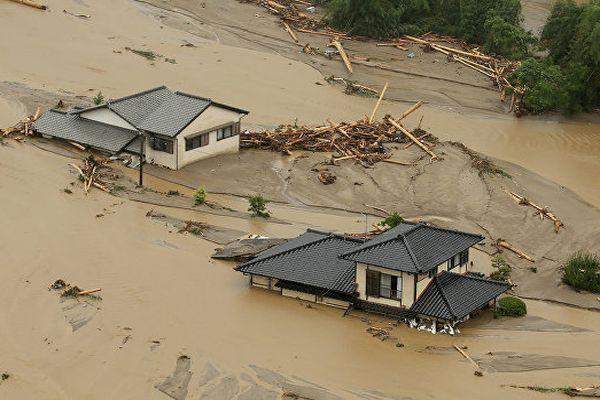 Число погибших наводнений вЯпонии возросло до18