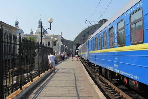 ВВенгрии обыскивают международные поезда из-за угрозы взрыва