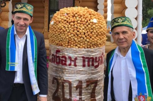 Президент Татарстана празднует Сабантуй в уральском селе