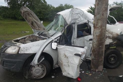 Уральский таксист, уснувший за рулем, покалечил себя и пассажира
