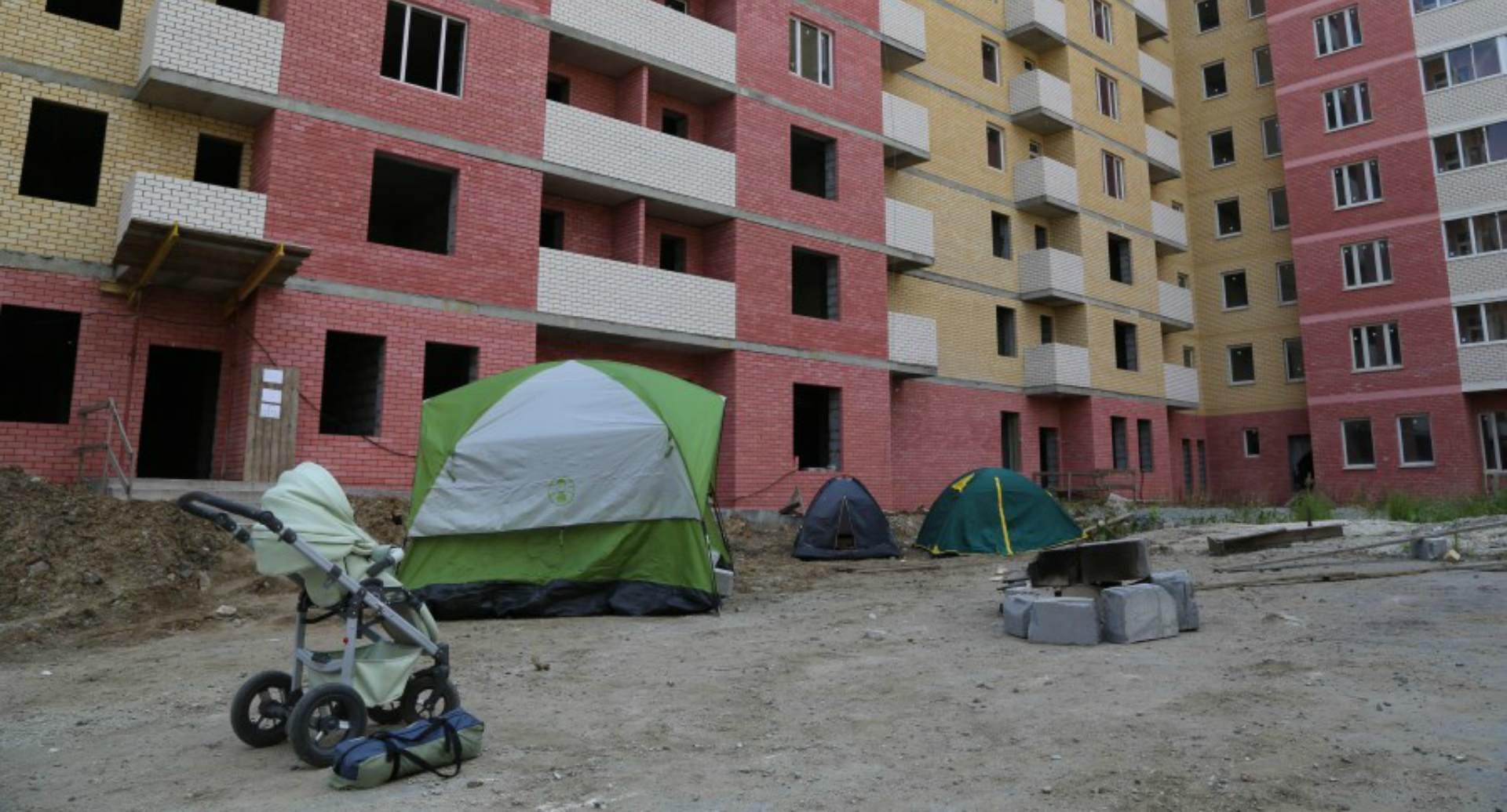 Хватит голодать. Областные власти призывают пайщиков недостроя вКольцово закончить  акцию протеста