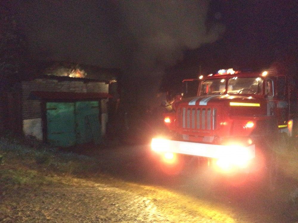 НаСреднем Урале вкрупном пожаре погибли три человека, еще один пострадал