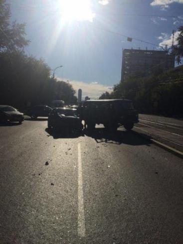 В ДТП на улице Малышева пострадали два человека