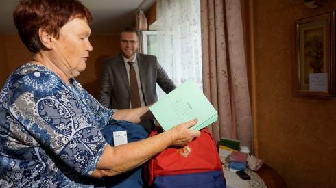 Екатеринбургский депутат помог нескольким сотням детей пойти в школу