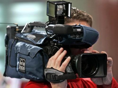 Вцентре Екатеринбурга избили корреспондента Первого канала. Уголовное дело передали вСКР