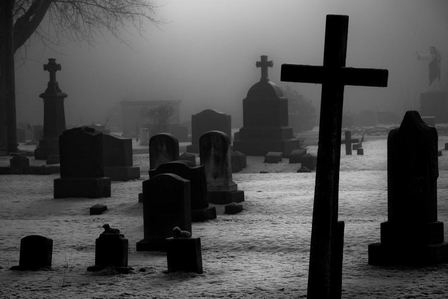 Под Нижним Тагилом подростки разгромили кладбище
