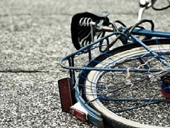 ВЕкатеринбурге шофёр сбил подростка-велосипедиста и исчез сместа ДТП