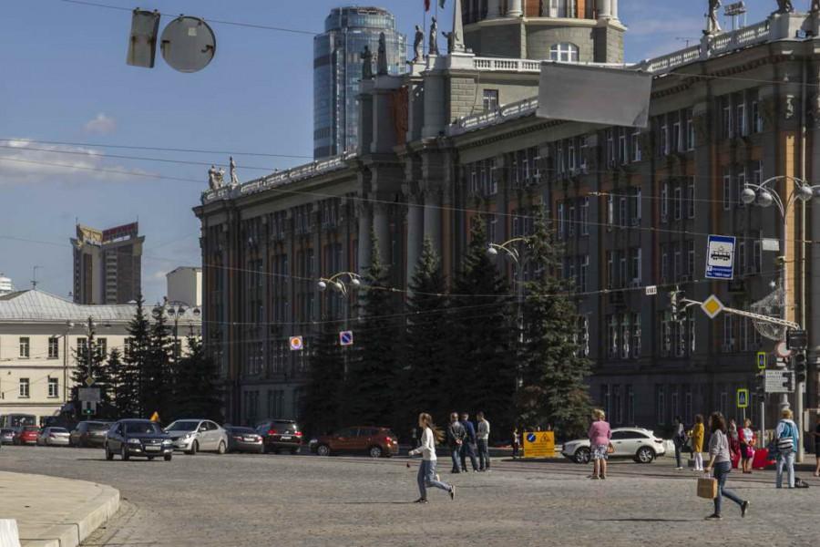 Дорожники будут работать ночами, чтобы открыть проспект Ленина ранее срока