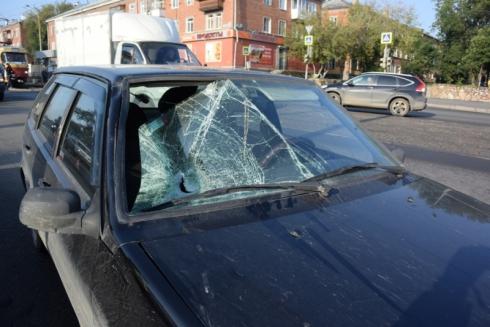 В Екатеринбурге полиция устанавливает обстоятельства четырех ДТП