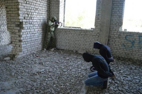 В Кургане силовики отработали учения по нейтрализации террористов, по легенде захвативших в заложники студентов КГСХА