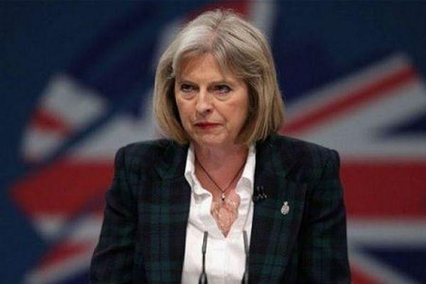 Слухи оскорой отставке Терезы Мэй опровергли вбританском руководстве
