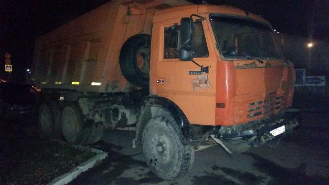 ВБерёзовском в итоге ДТП сучастием грузового автомобиля пострадали два человека