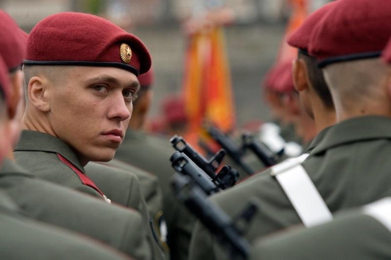 ВЕкатеринбурге отравились 40 солдат