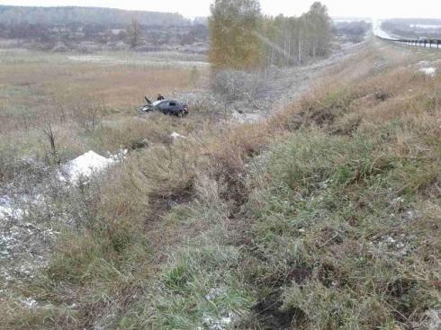 Автоледи погибла, не справившись с управлением Toyota Corolla на трассе Екатеринбург — Курган